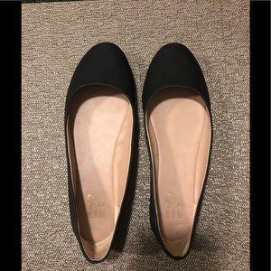 Black flats - women's size 7 - worn twice